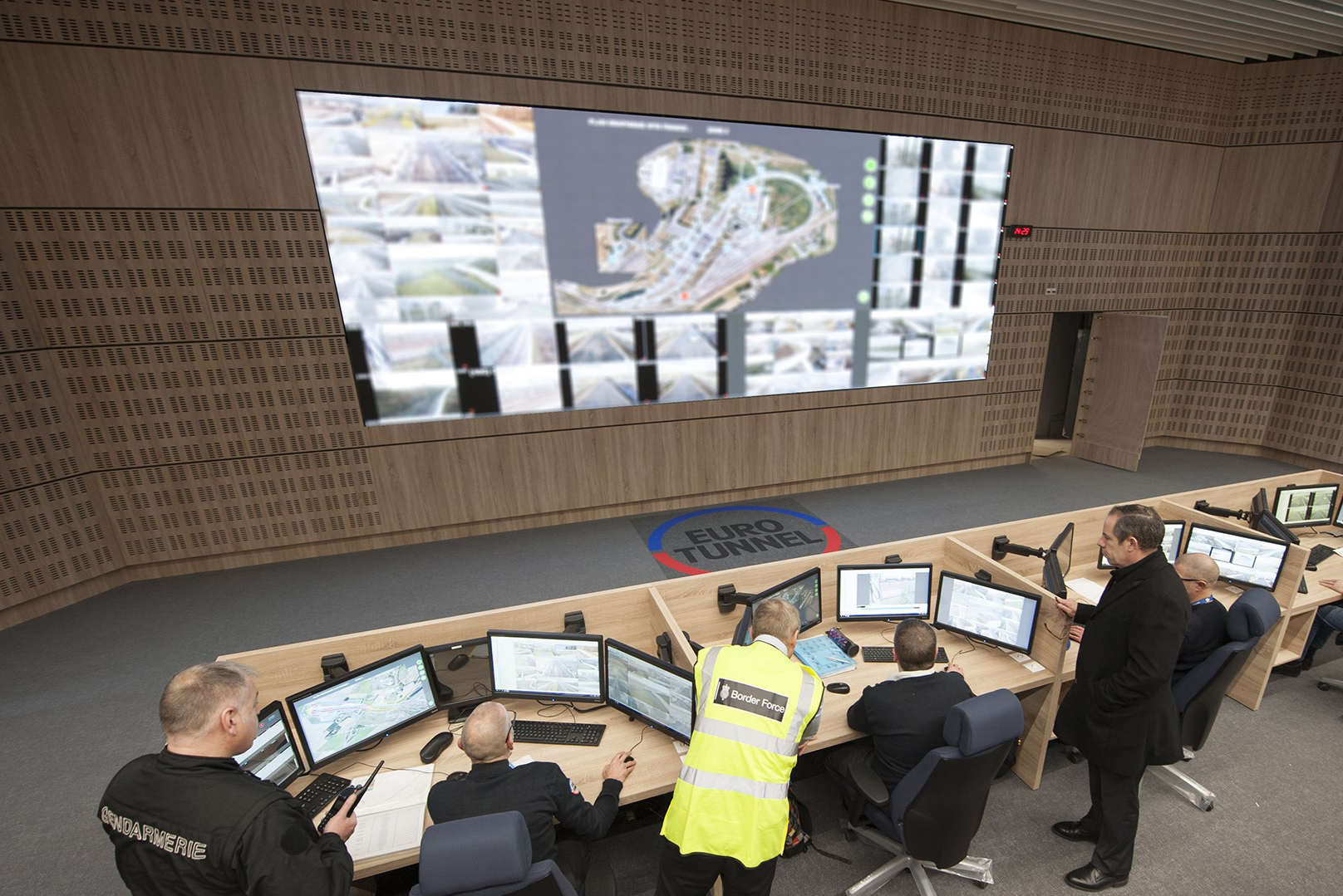 EUROTUNNEL NEW SECURITY CONTROL CENTER AT THE FRENCH TERMINAL IN COQUELLES TWA P1.8